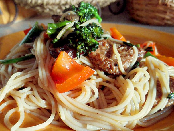 vegan pepper steak pasta
